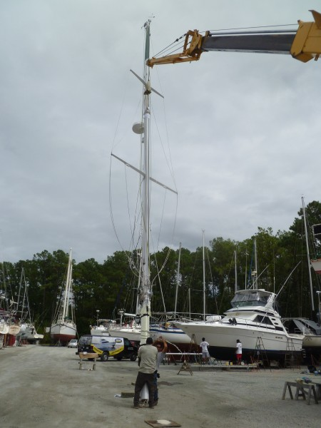 Mast Lifted by Crane to Be Back on 'Bad Bunny'