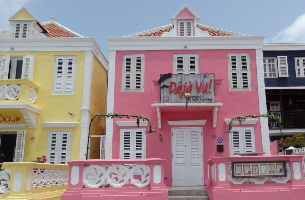 Typical Building Colors in Willemstad