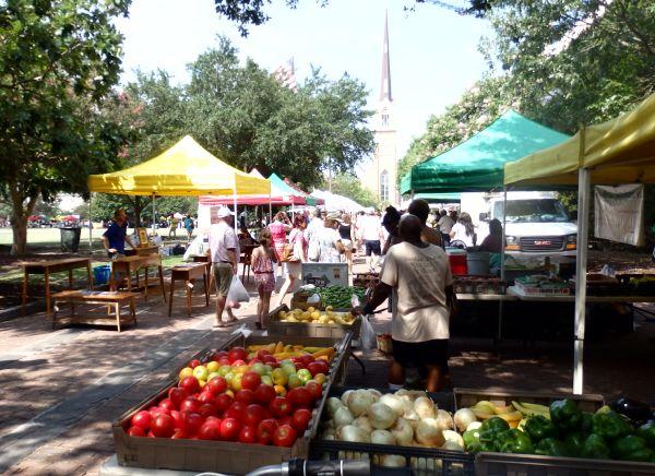 Farmer's Market in Marion Square, Charleston, SC, USA
