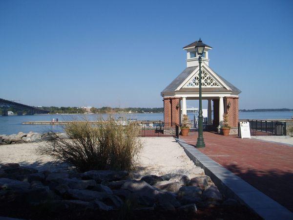 Yorktown Riverwalk Landing Marina, Virginia, USA